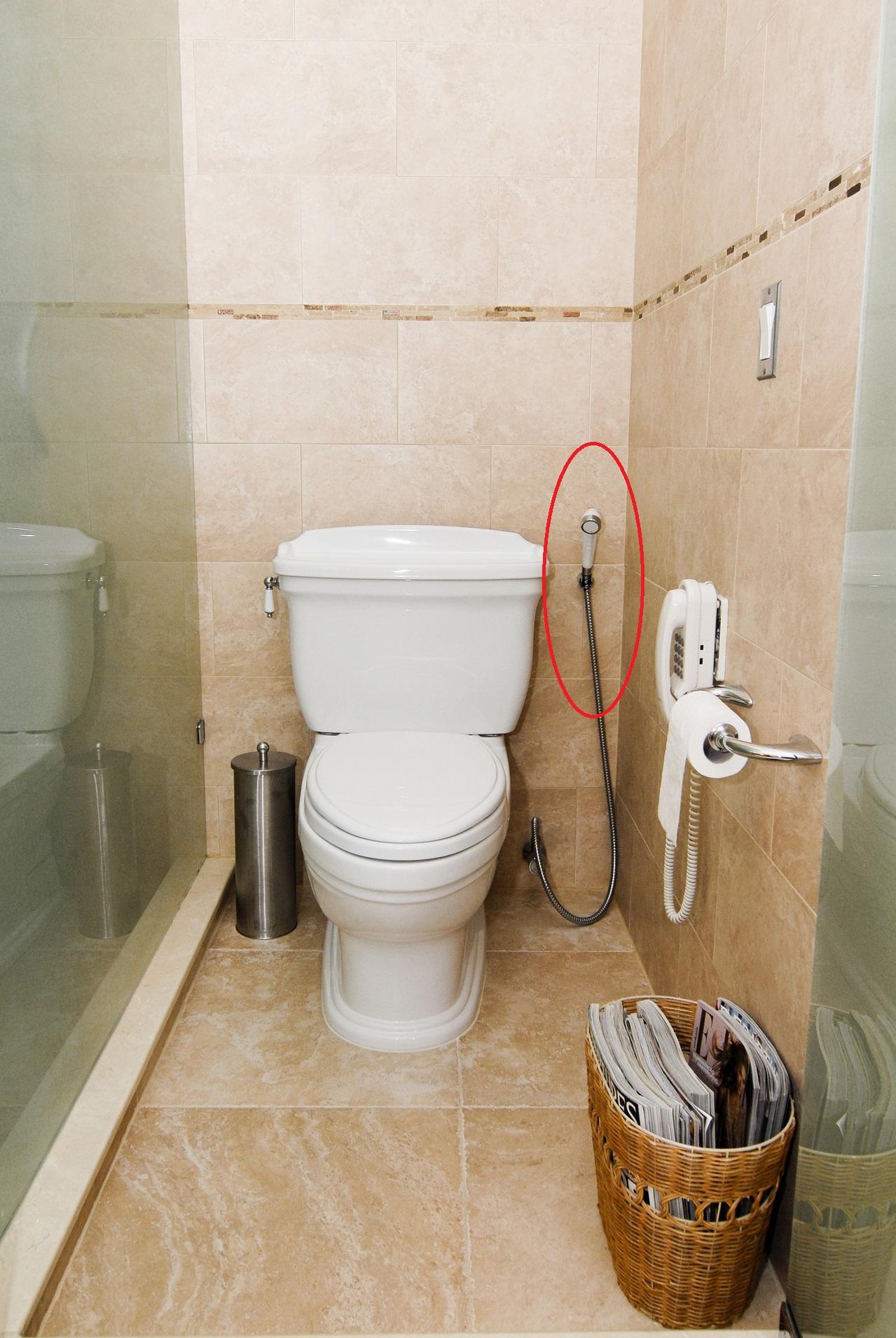 bathroom-2-1209279-1279x1910